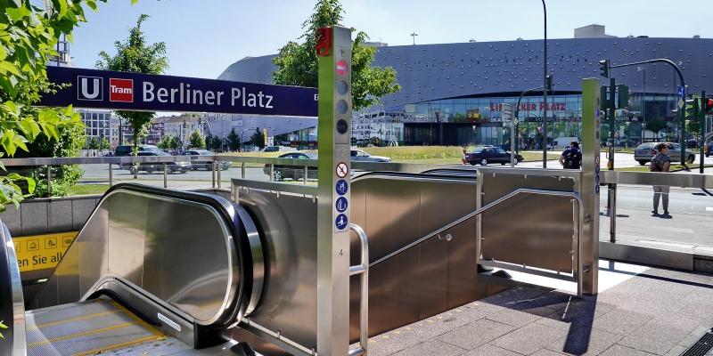 italgraniti group metro berliner platz. Black Bedroom Furniture Sets. Home Design Ideas